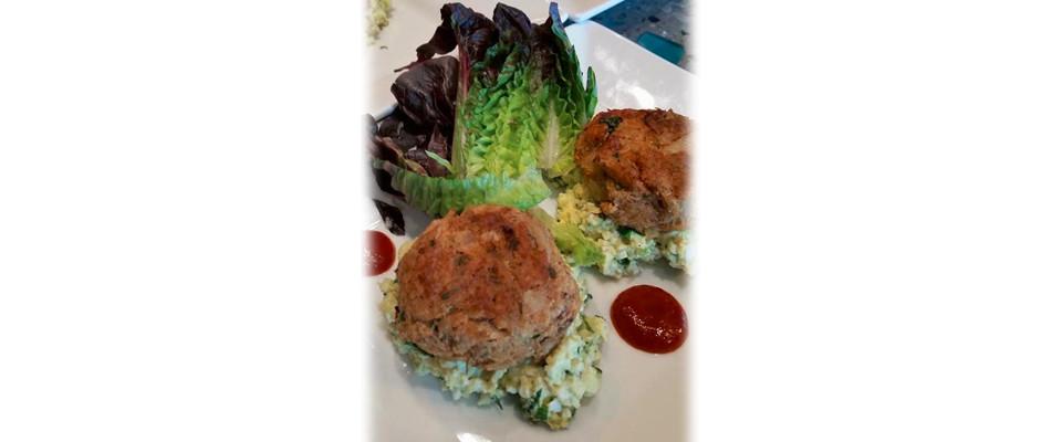 crab_cakes_w_avacado_egg_salad